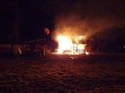 Požár chatky v Habrovanech.
