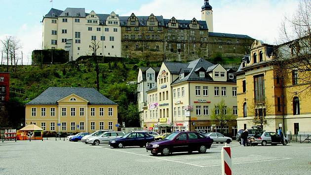 Podoba města Greiz je ovlivněna především polohou Horního zámku rodu Reußů na Zámecké hoře.