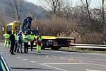 Nehoda sanitky a dodávky na okraji Ústí