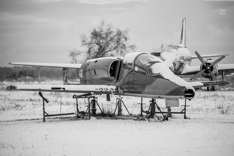 Snímky vraků letadel od ústeckého fotografa Vladimíra Cettla.