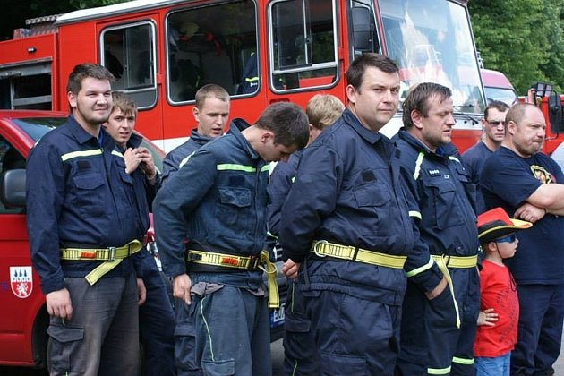Jan Doubrava a telničtí hasiči