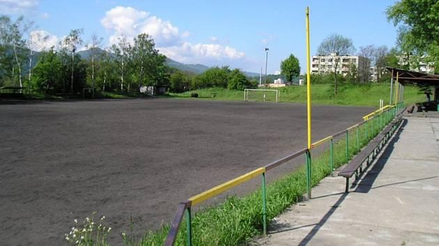 Mojžíř byl jedním z posledních klubů, kde se hrálo na škvárovém povrchu. Nového travnatého pažitu se klub dočkal až v roce 2006.