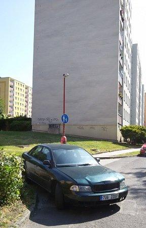 Parkování upěší zóny.