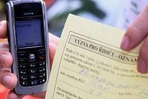 SMS parkovné se potýká s problémy