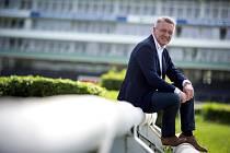 Zbigniew Czendlik je římskokatolický kněz. V roce 1995 poprvé žehnal koním a jezdcům startujícím ve Velké pardubické a je pravidelným účastníkem dostihových mítinků v Pardubicích.