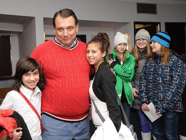 Jiří Paroubek s dětmi.