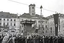 Domů, do Říše. To vykřikovali sudeťáci na podobných demonstracích v roce 1938. Povedlo se jim to, ale mnozí toho pak měli litovat.