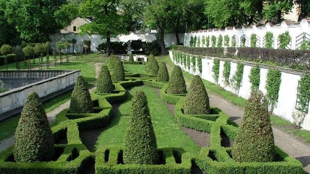 Zahrady a parky severních Čech v historickém vývoji. Tak se jmenuje beseda uznávaného zahradního architekta Pavla Huška.