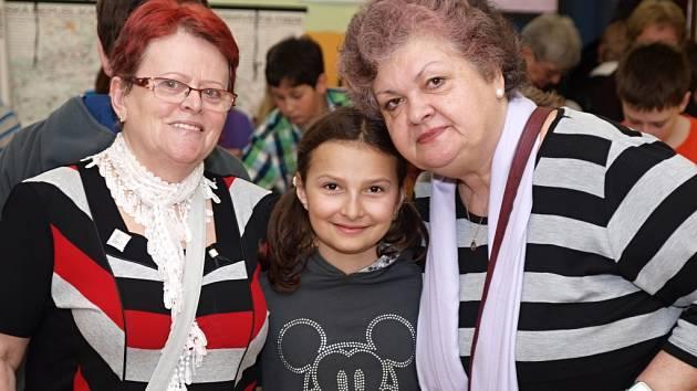 Základní škola Vojnovičova připravila program pro seniory.