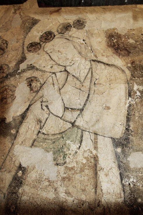 Detail objevených nástěnných maleb s obrazem sv. Doroty v kostele sv. Havla v Kuřívodech.