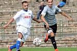 Fotbalisté Neštěmic (v šedém) doma otočili zápas proti Junioru Děčín a vyhráli 6:2. Foto: Deník/Rudolf Hoffmann