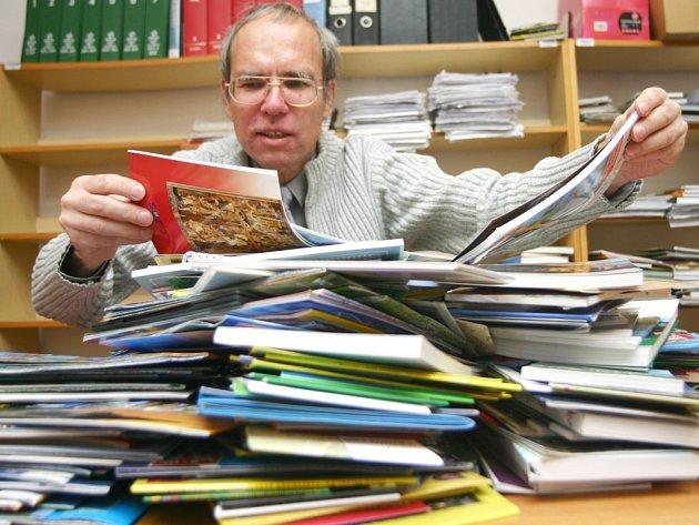 Ředitel knihovny Aleš Brožek.
