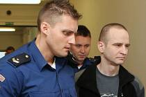 Krajský soud začal projednávat případ vraždy Romana Housky.