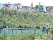 Nedaleko ústeckého sportovního letiště v Podhoří spadlo v úterý krátce po sedmé hodině ranní ultralehké letadlo.