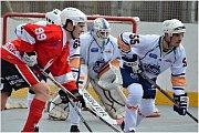 Hokejbalové utkání Elba DDM Ústí nad Labem vs. HBC Rakovník 8:1.