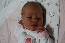 Monika Švecová se narodila Aleně Švecové z Ústí nad Labem 11. října v 17.35 hod. v ústecké porodnici. Měřila 49 cm a vážila 3,35 kg.