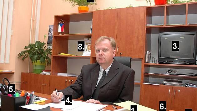 Kancelář starosty Petra Maxy.