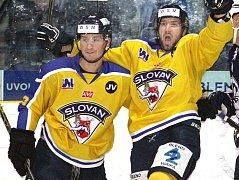 Hokejisté Ústí (žlutí) doma porazili Most 5:1.