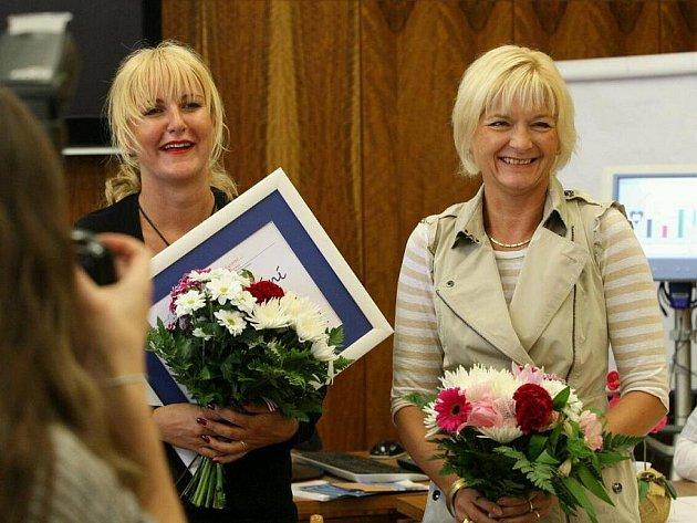 Vendula Auš Svobodová přivezla do Ústí dva přístroje - dary nemocnici od nadace Kapka naděje.