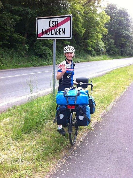 Mladí cestovatelé z Ústí nad Labem vyrazili na kolech do Indie. Nyní šlapou do pedálů na Slovensku.
