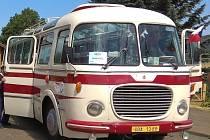 Do Zubrnic vás sveze historický autobus Škoda 706 RTO