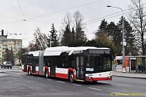 Nový ústecký trolejbus Škoda 27 Tr Solaris New Trollino během zkušební jízdy přes náměstí Milady Horákové na Slovanech.