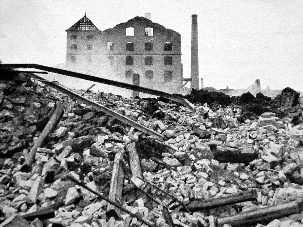 Výbuch muničního skladu v Krásném Březně a další sled událostí.