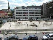 Díra na náměstí zůstává. Projekt na komerčně administrativní centrum odbor rozvoje města zamítl. Dostavba budovy je v nedohlednu.