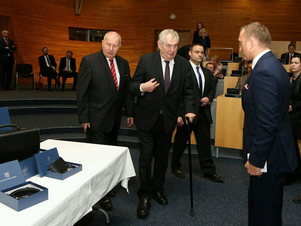 Miloš Zeman na Krajském úřadě Ústeckého kraje.