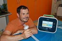 Dětská klinika Masarykovy nemocnice má přístroj, který odstraňuje hlen z dýchacích cest.