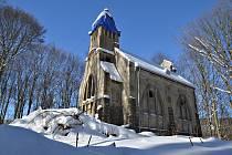 Před rokem veselý Masopust, letos kostel, zámek a kaple v Libouchci.