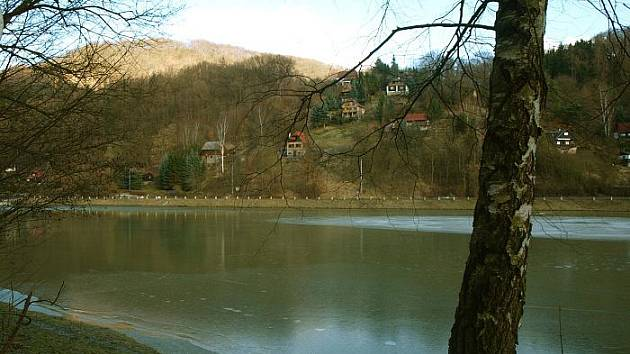 Všichni ti, kteří si tipovali, že jsme fotili přehradu v Povrlech, měli pravdu...