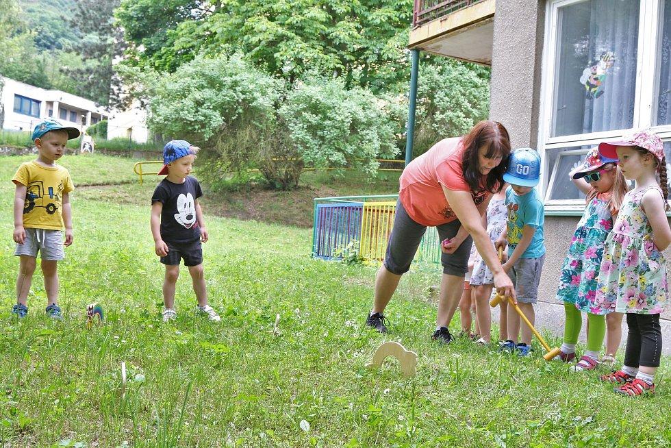 Večerníčkova zahrada dětského centra v Kubelíkově ulici na Střekově