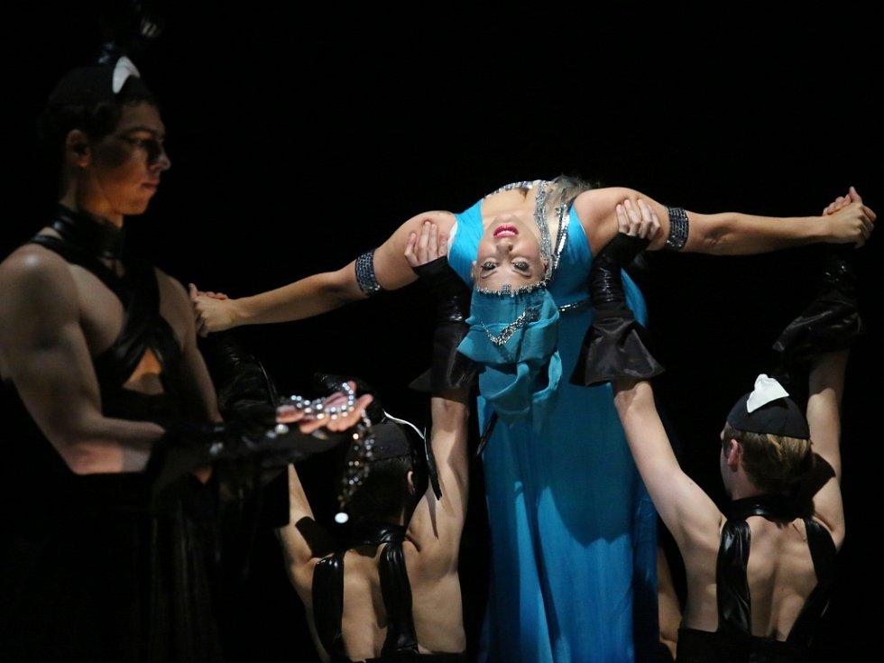 Opera G. Bizeta Lovci perel v nastudování ústeckého divadla.