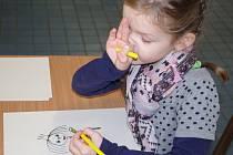 ZÁPIS DO PRVNÍ TŘÍDY absolvovaly děti v ZŠ Nová na Střekově. Zápis tam pokračuje i v úterý od 14.00 do 18.00 hodin.