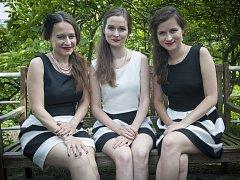 Pražské swingové trio Hot Sisters.