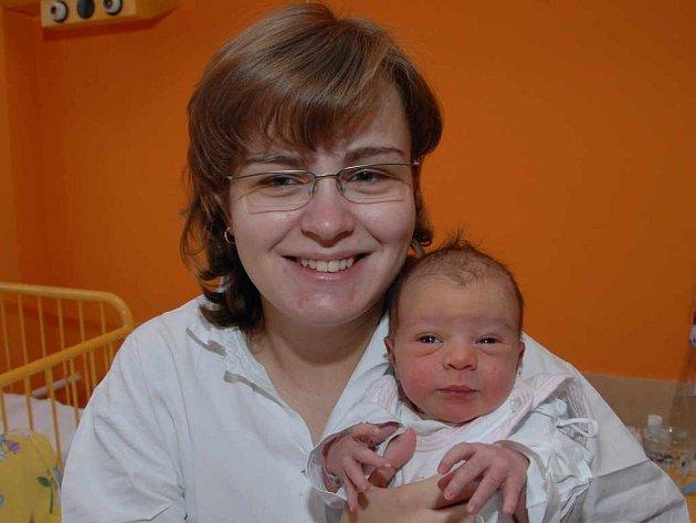 Lucie Pradeniaková porodila dceru Karolínu Krušinovou (11.11.2007, 0.01 hodin, 51 cm, 3,45 kg)