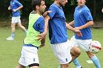 Fotbalisté Ústí zahájili v úterý letní přípravu na prvoligovou sezonu. Na prvním tréninku měl trenér Svatopluk Habanec k dispozici třináct hráčů, mezi nimiž byli i testovaní záložníci Michal Doležal a Vít Vrtělka.