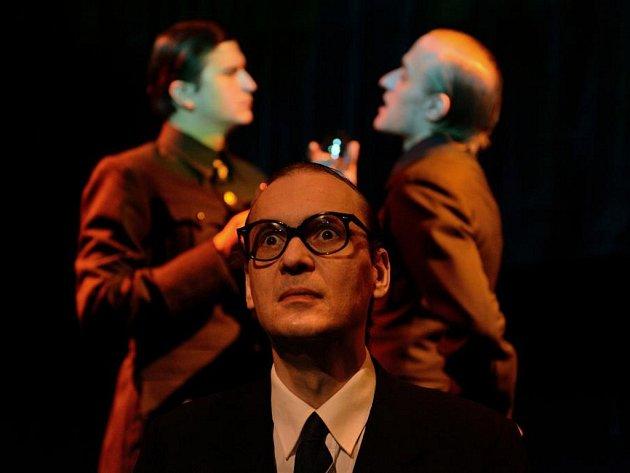 Drama plné černého humoru o nacistickém zločinci Adolfu Eichmannovi.