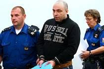U libereckého Krajského soudu pokračoval proces s výrobci a obchodníky pervitinu. Uprostřed na snímku Petr Ryžák.
