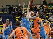 Utkání Ústí (v oranžovém) proti Olomoucku