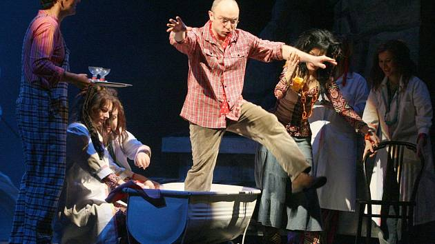 Severočeské divadlo opery a baletu představilo americko-český muzikál Divotvorný hrnec.
