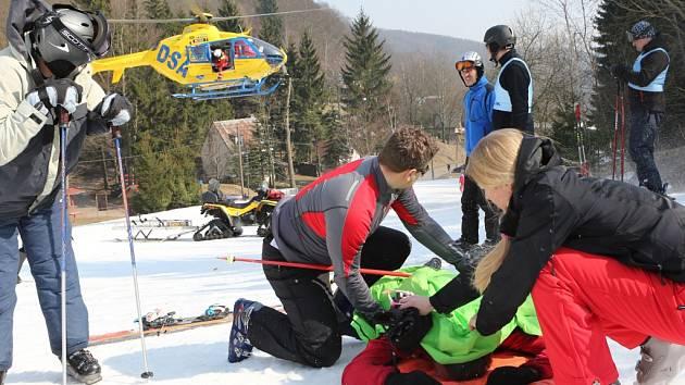 Při lyžování v Zadní Telnici se vážně zranil německý turista.