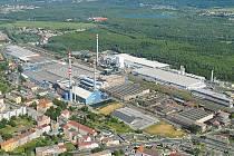 Letecký pohled na továrnu společnosti AGC Flat Glass Czech v Teplicích.