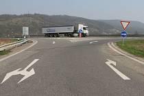Nájezd na dálnici D8 v Řehlovicích.