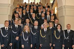 Slavnostní udělení služebních medailí II. a III. stupně Hasičského záchranného sboru ČR ke státnímu svátku 28. října.