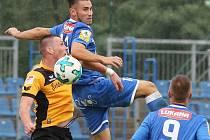 Fotbalisté Ústí (v modrém) se střetli v přípravě s Dynamem Drážďany