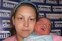 Jiřina Vlčková porodila v ústecké porodnici dne 22. 6. 2010 (10.05) syna Davida (50 cm, 3,7 kg).