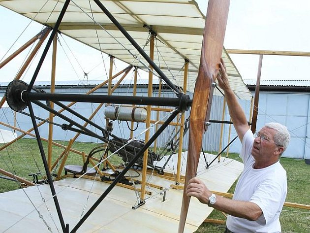 Na letecký den se připravuje i unikátní letadlo bratří Wrightů