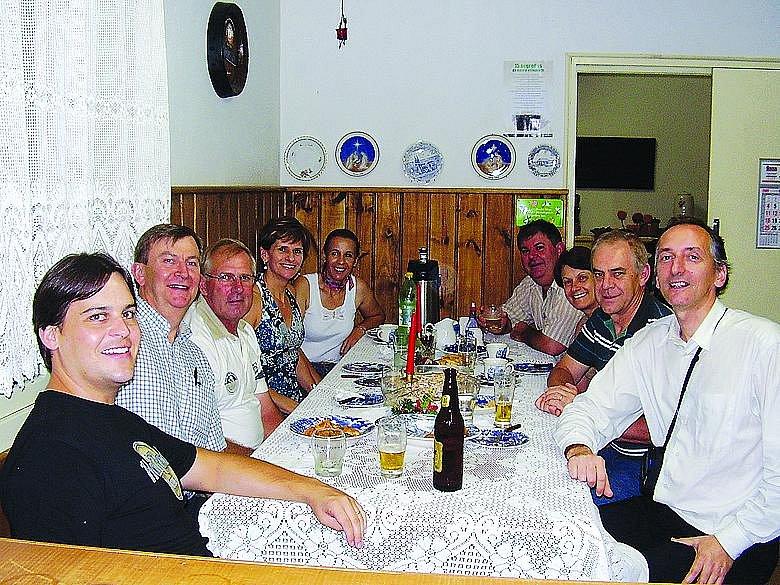 Na návštěvě Churasku u rodiny GrosslŮ, což jsou majitelé nábytkářské firmy v Sao Bento do Sul, původem ze Šumavy.